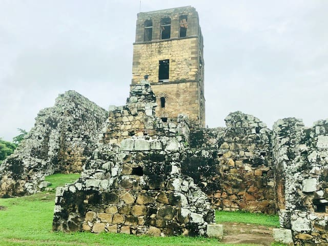 Why You Should Visit Panama City: the Old and the New