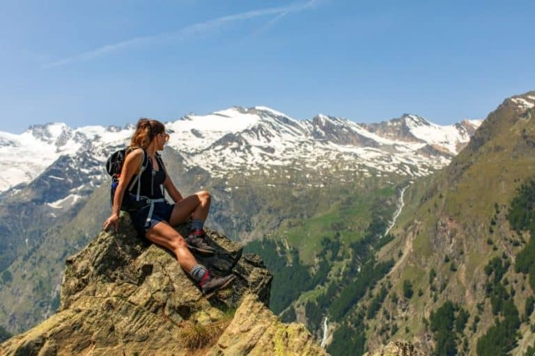 7 Best Women's Hiking Shoes Under $150 (2021 Buyer's Guide)